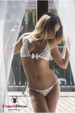 Fehér bikini kristályokkal díszítve