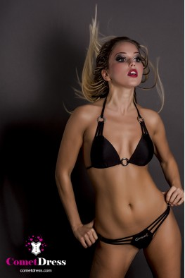 Fekete pushup bikini bőrbarát karikával