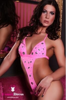 Pink body kristályokkal díszítve